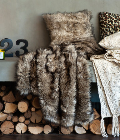 inspired-wives-faux-fur-blanket