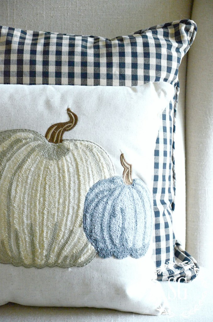 stone-gable-blog-pumpkins-pillow