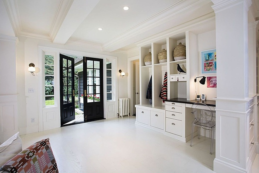 zillow-open-white-mudroom