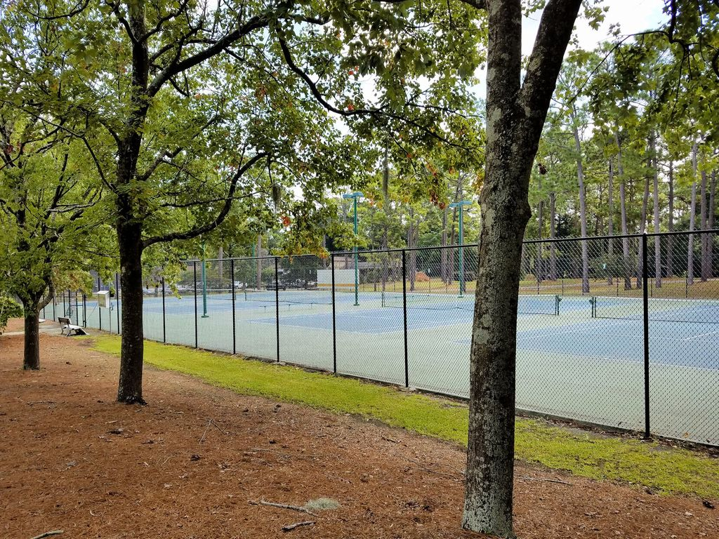 Hugh MacRae Park - Tennis Courts