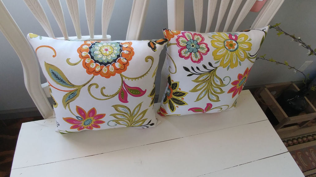 Bright Florals - 15in x 15in - Pillows by MyMomsHouseDzynes