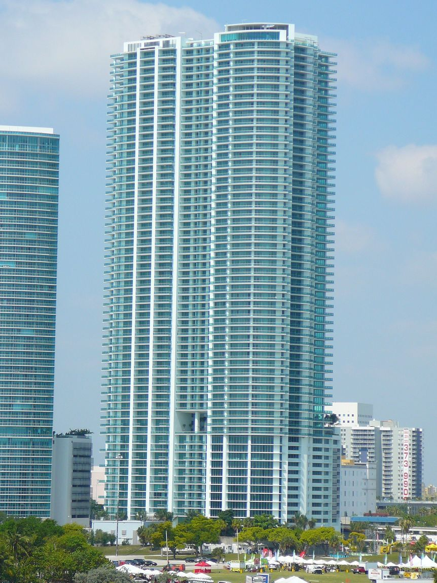 900 Biscayne Bay Downtown Miami