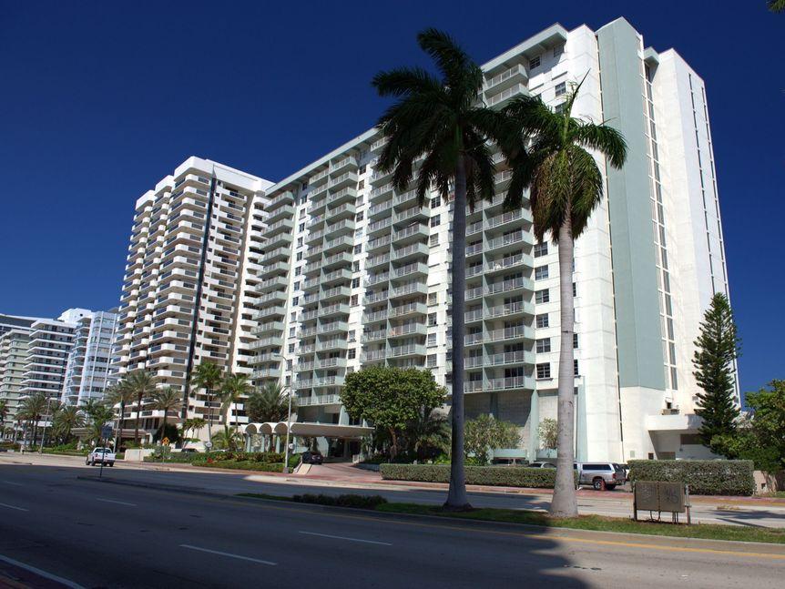 Arlen Beach Miami Beach