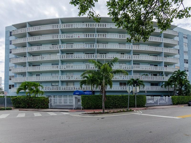 Excelsior Miami Beach