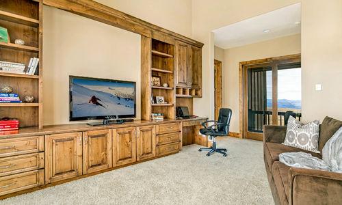 1117 Summit Trail study off master bedroom