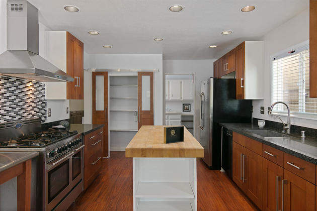 Look at theHuge Price Reduction for this 2.82 Acre Upper Ojai. kitchen